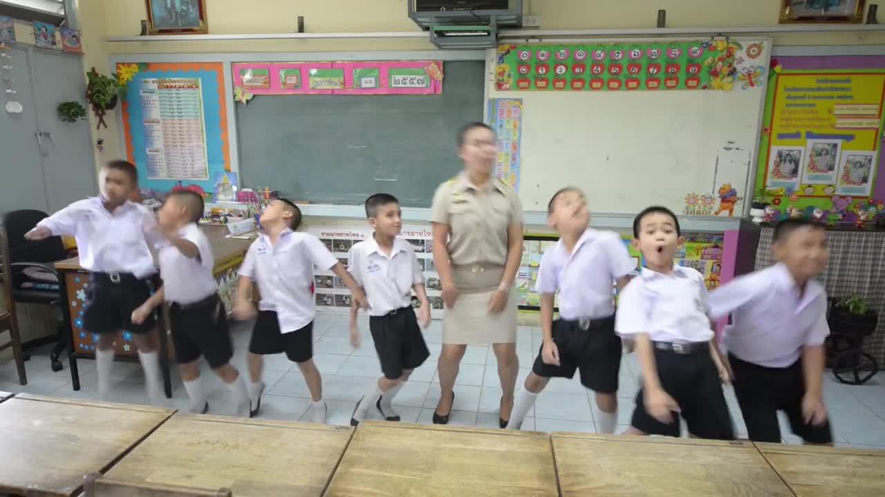 ครูสอนภาษาไทย by ครูนกเล็ก